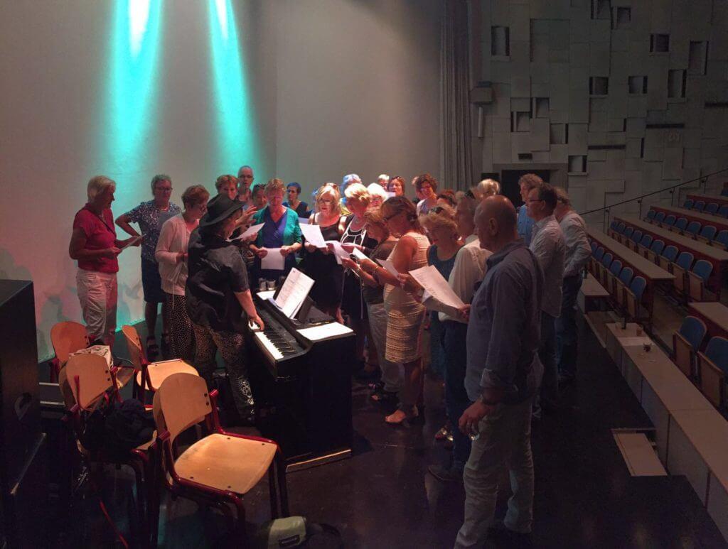 Cobien Nieuwpoort geeft een workshop stemvorming