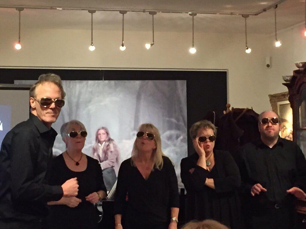 Cabaretgroep Flexwerk in actie