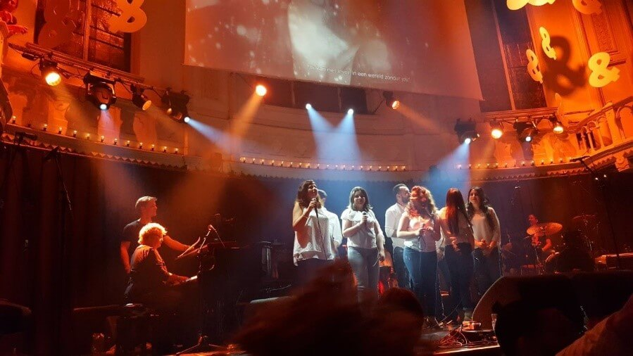 Syrisch New Life Choir tijdens optreden in Paradiso